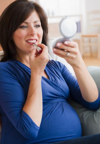رژ لب در دوران بارداری